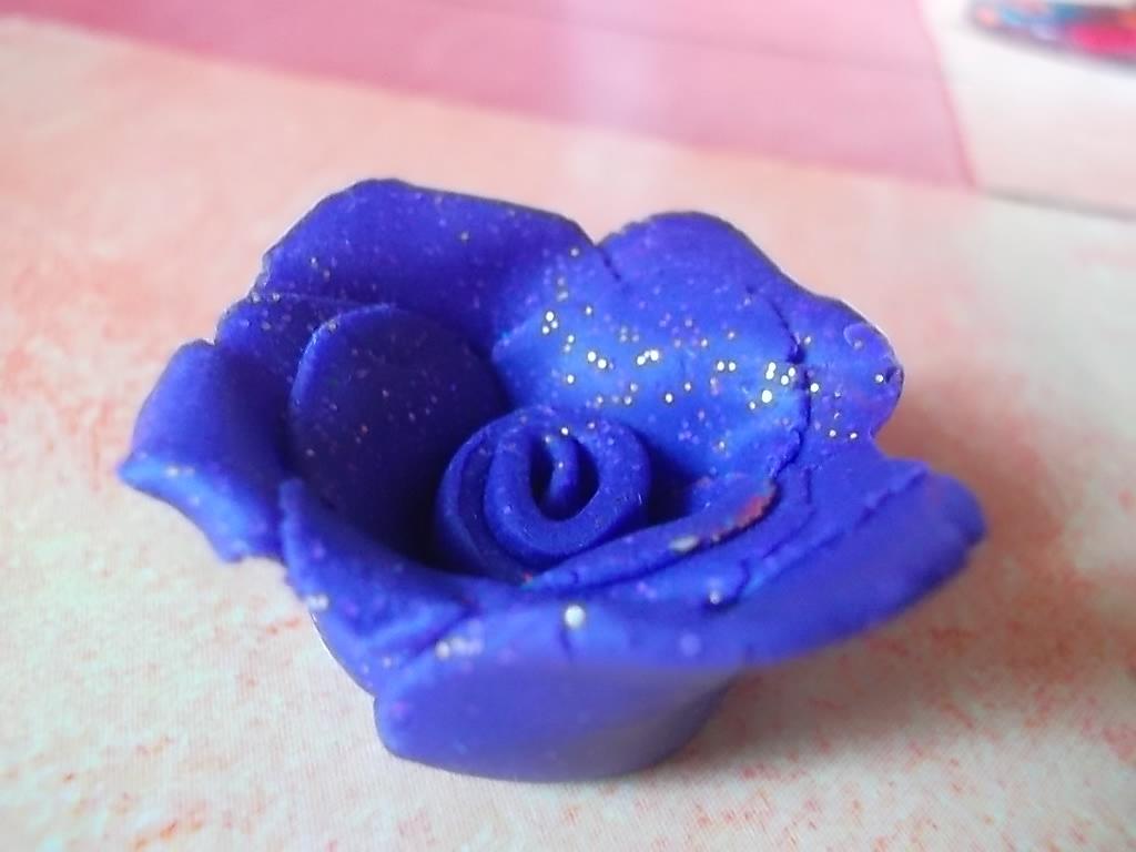 Une rose en p te fimo - Que faire en pate fimo ...